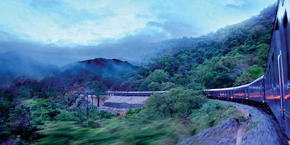 Train-Decan-Odyssey-dans-la-nature-A