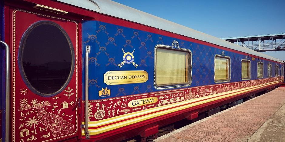 Train Deccan Odyssey à quai