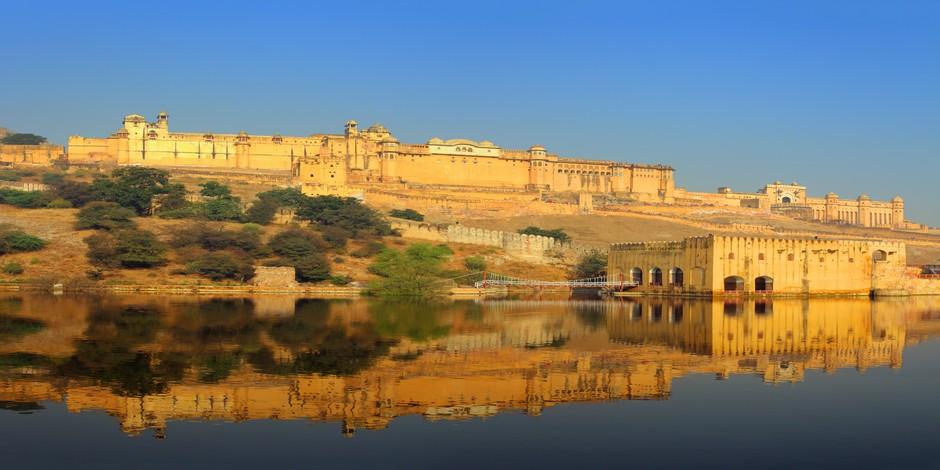 Le fort et le lac