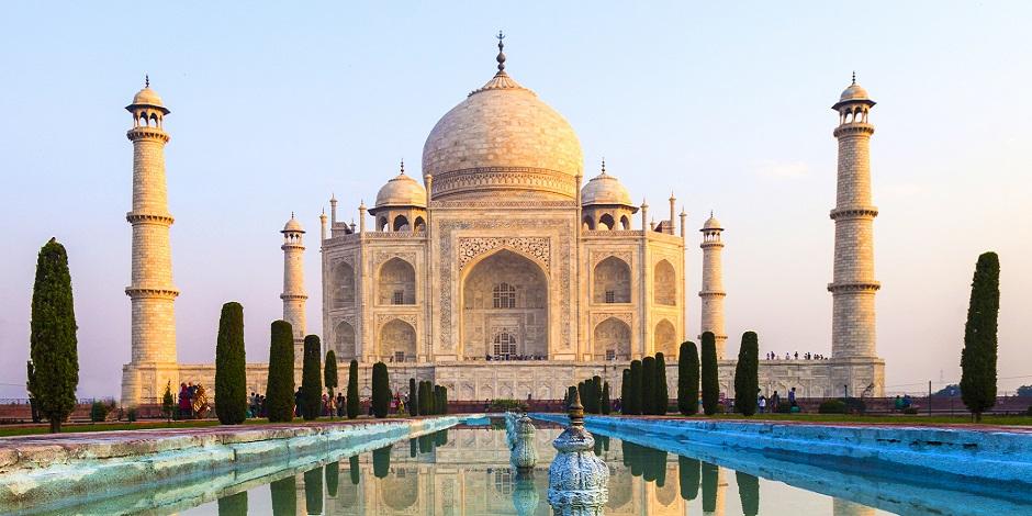 Le Taj Mahal au lever do soleil